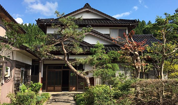 小間生の家(山側)